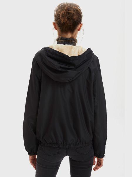Черная куртка Defacto