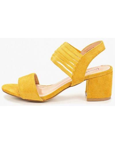 Босоножки на каблуке замшевые Vera Blum