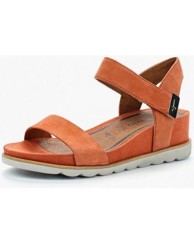 Оранжевые босоножки на каблуке Tamaris