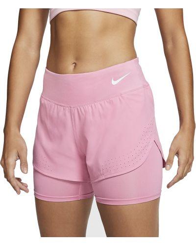 Różowe krótkie szorty Nike