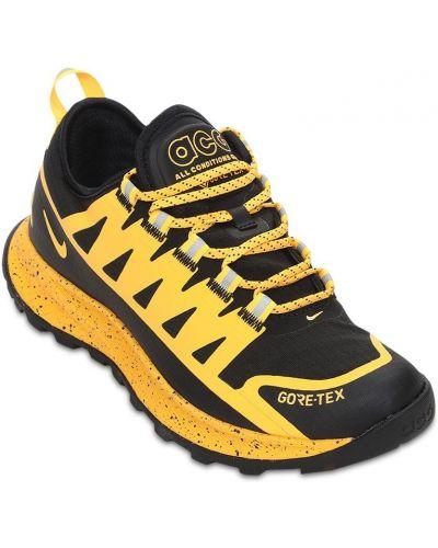 Кроссовки на шнуровке - черные Nike Acg