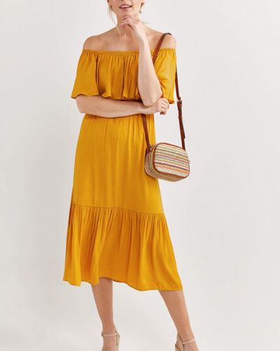 Желтое платье с открытыми плечами Springfield