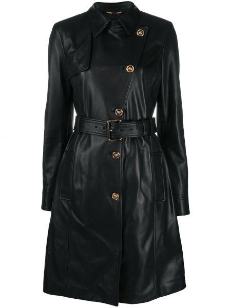 Черное кожаное пальто классическое с воротником Versace