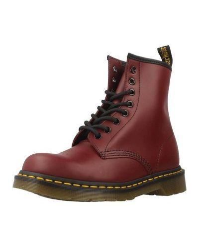 Czerwony buty Dr. Martens