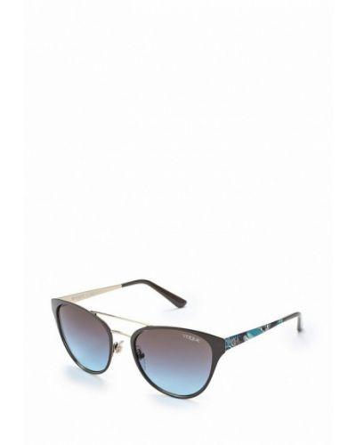 Коричневые солнцезащитные очки Vogue® Eyewear