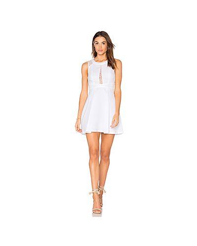 Белое платье Bcbgeneration