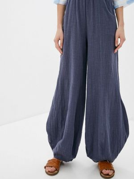 Синие расклешенные свободные брюки мадам т