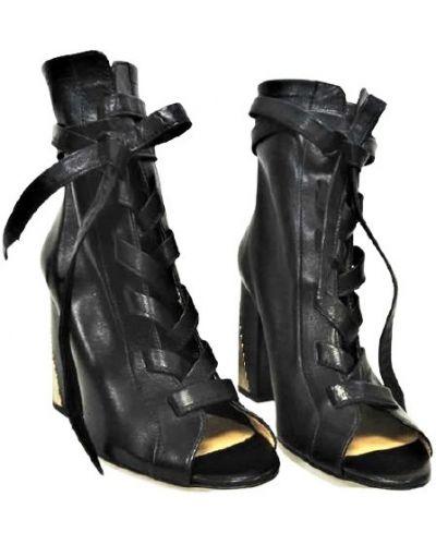 Кожаные ботинки - черные Lottini