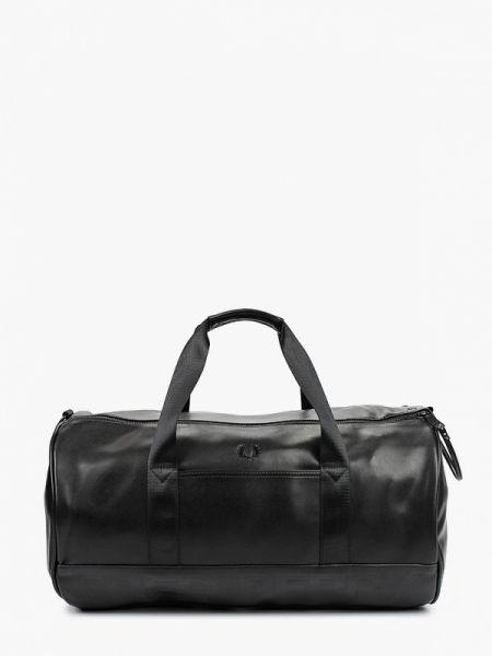 Спортивная пышная черная спортивная сумка из искусственной кожи Fred Perry