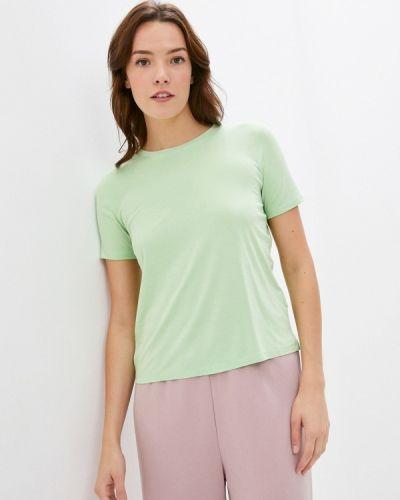 С рукавами зеленая футболка Sela
