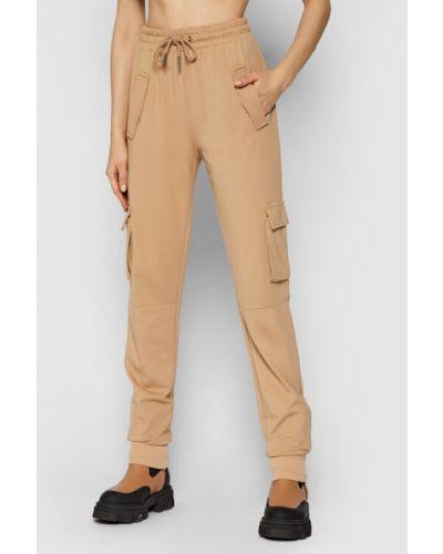 Brązowe spodnie dresowe Noisy May