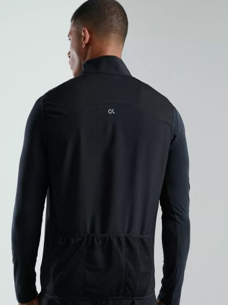 Черная куртка на молнии Calvin Klein