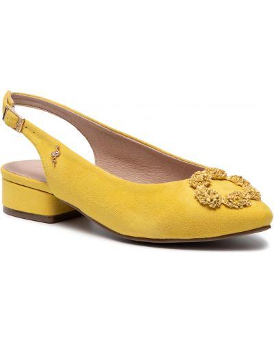 Żółte sandały na lato Menbur