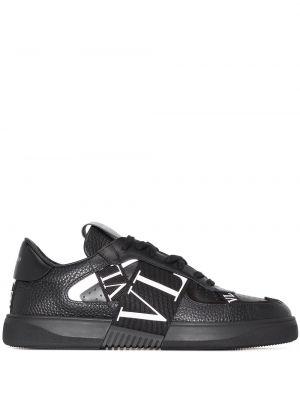 Кожаные кроссовки - черные Valentino Garavani