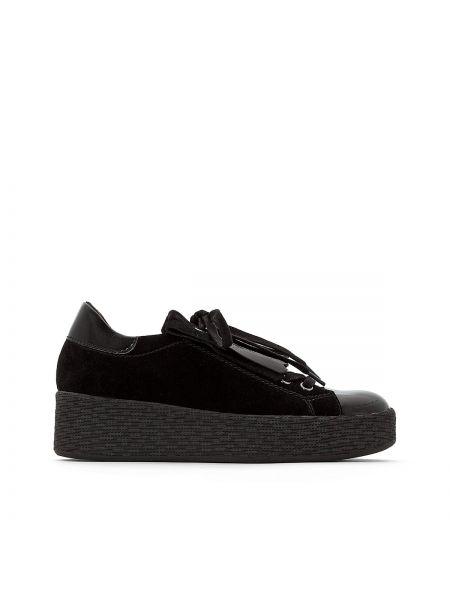 Кроссовки на шнуровке велюровые Tamaris