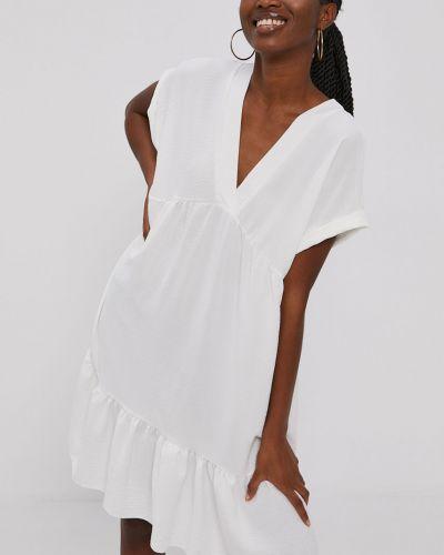 Biała sukienka mini z falbanami oversize Hailys