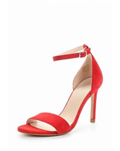 Красные босоножки на каблуке Zign