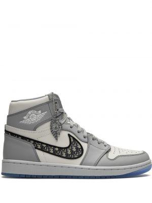 Кожаные белые высокие кроссовки на шнуровке Jordan