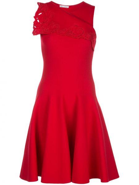 Красное расклешенное платье без рукавов с вырезом Oscar De La Renta