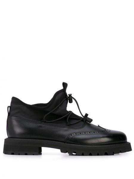 Кожаные черные оксфорды на шнуровке на каблуке Hender Scheme