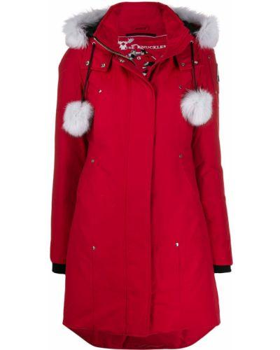 Пуховое пальто с капюшоном с опушкой Moose Knuckles