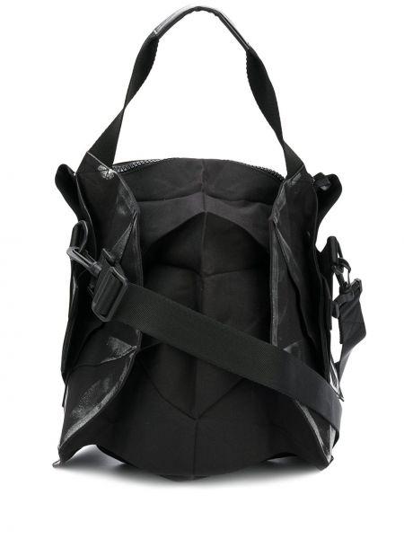 Кожаная черная сумка-тоут 132 5. Issey Miyake