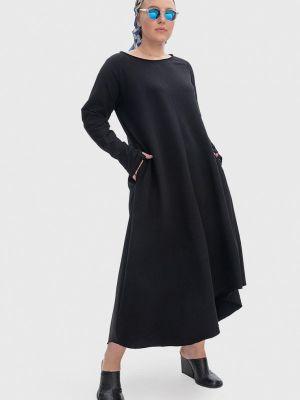 Черное платье Lessismore