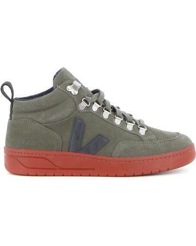Zielone buty sportowe zamszowe Veja