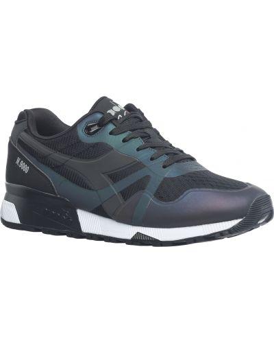 Черные кроссовки Diadora