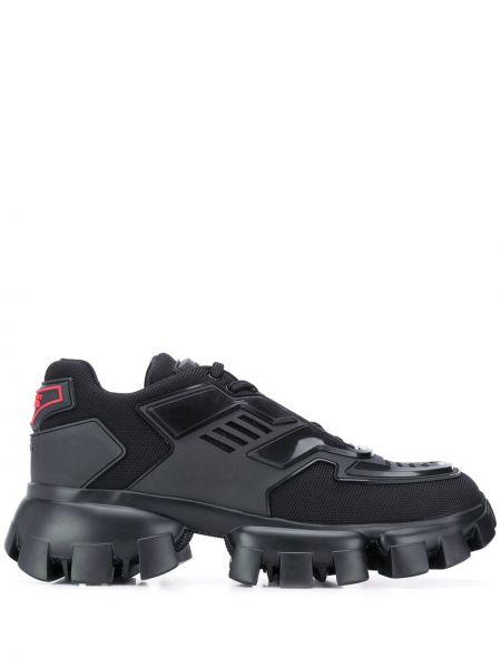 Czarne sneakersy sznurowane koronkowe Prada