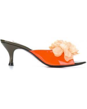 Оранжевые мюли на каблуке Leandra Medine