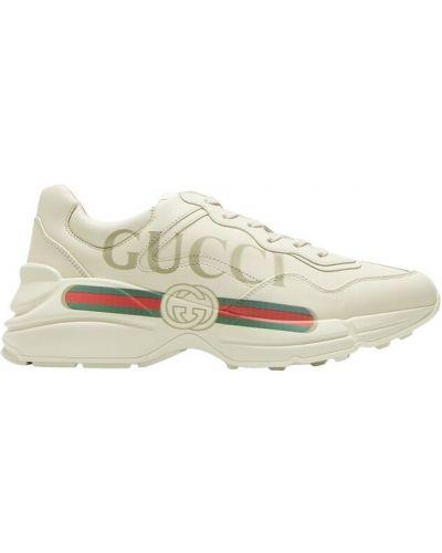 Białe sneakersy Gucci