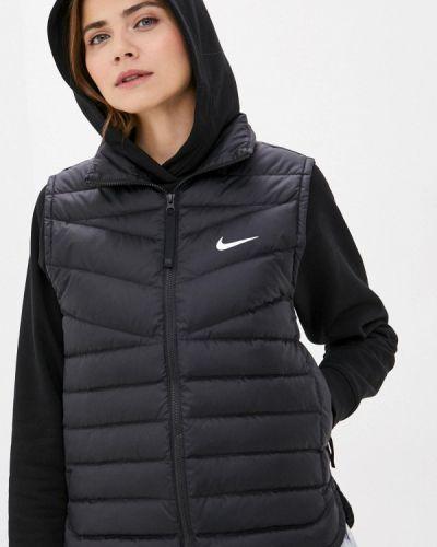 Утепленная черная жилетка Nike