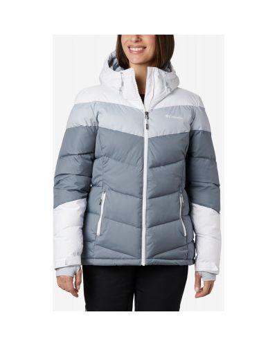 Приталенная теплая серая куртка с капюшоном Columbia