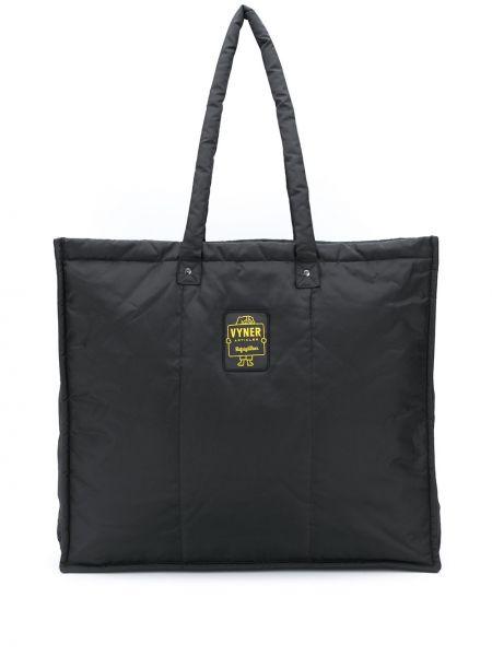 Черная сумка-тоут круглая с нашивками Vyner Articles