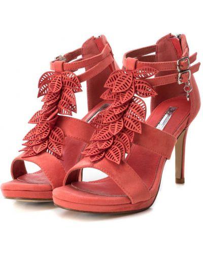 Klasyczne czerwone sandały Xti