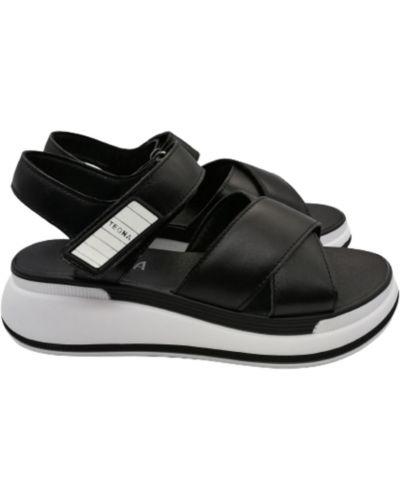 Кожаные сандалии - черные Teona