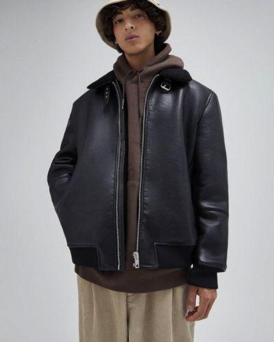 Черная кожаная куртка Pull&bear