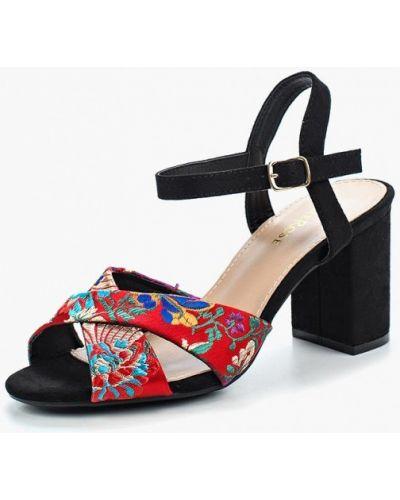 Красные босоножки на каблуке Damerose