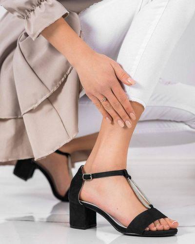 Czarne sandały zamszowe Goodin