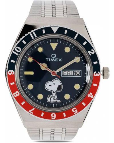 Со стрелками серебряные часы круглые Timex