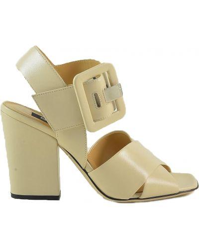 Beżowe sandały z klamrą Sergio Rossi