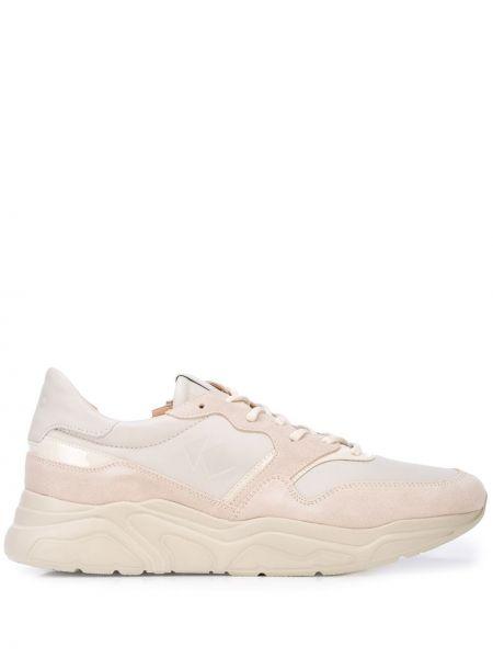 Кроссовки на платформе на шнуровке на каблуке с заплатками Koio