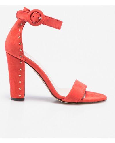 Красные туфли Carinii