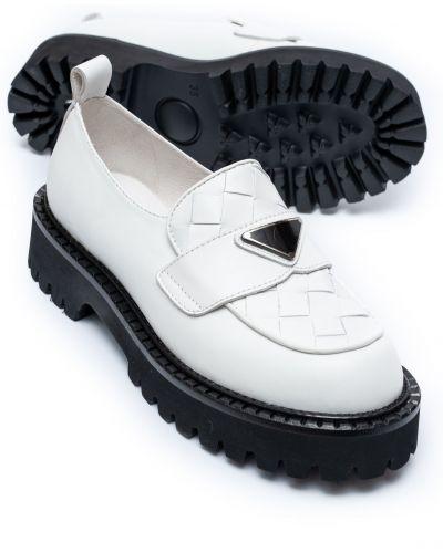 Белые кожаные туфли Brocoly