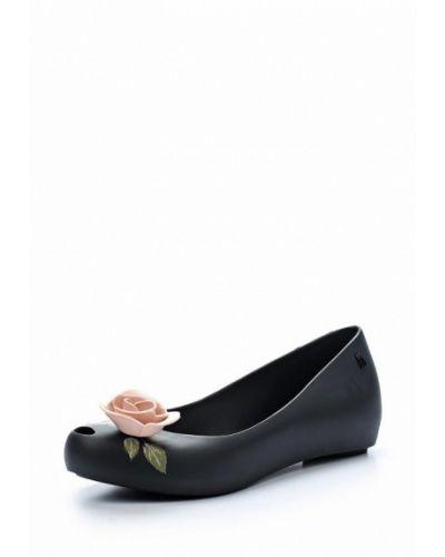 Черные балетки с открытым носком Melissa
