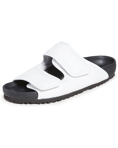 Białe sandały skorzane na rzepy Birkenstock