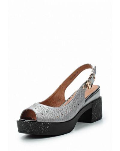 Серые босоножки на каблуке Covani