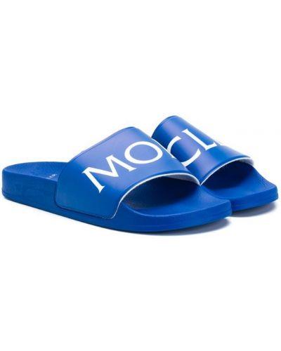 Шлепанцы синие с логотипом Moncler Kids