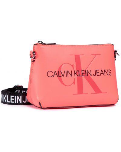 Różowy jeansy Calvin Klein Jeans